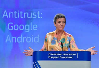 Google Hit with Record-Breaking $5 Billion Fine over Android Web Browsing and Told To Change How Phones Work